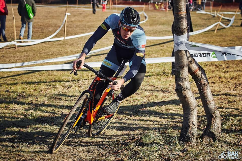 Hatalmas kecskeméti kerékpáros siker: Gohér Mihály nyerte a Cyclocross Magyar Kupát!